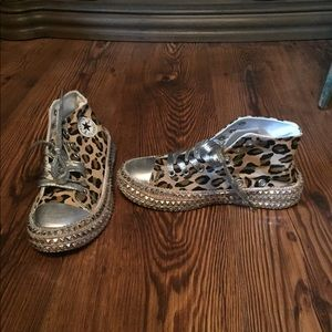 High top animal print sneakers size 7